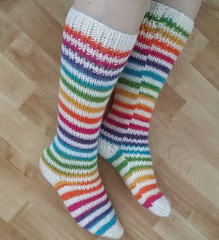 Ravelry: Bagpuss stripey socks pattern by Nikki Swift