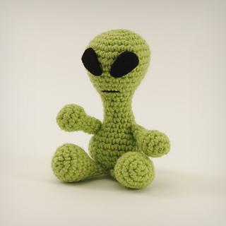 Amigurumi Animals Susan Yeates : Ravelry: Little Green Man (Amigurumi Alien) pattern by ...