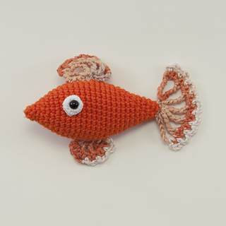 Amigurumi Animals Susan Yeates : Ravelry: Chip the Goldfish (Crochet Fish) pattern by Susan ...