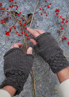 Blackberry-mitts-2_copy_small2