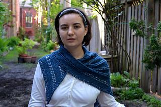 Pretty-folds-lace-shawl_small2