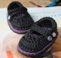 Hook_candy_crochet_patterns_by_sylver_santika_baby_two_strap_mary_janes_girl_booties_shoes_03_small