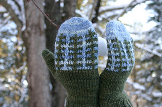 Frost_farm_mittens_photo_by_kelly_corbett__small2