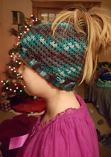 Alyssa-ponytail_hat_small2