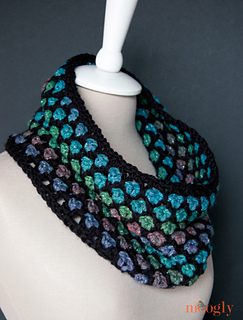 Moroccan-midnight-cowl-2-hi-res_small2