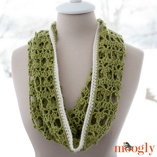 Lucky_day_cowl_no_buttons_small2