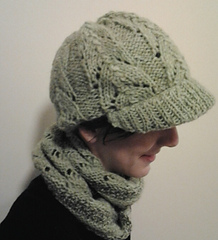 Newsboy_hat_and_moebius_scarf_small