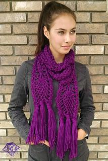Pineapple_passion_scarf_pattern_by_carolyn_calderon_thepurpleponcho