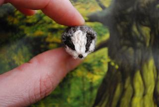 Hufflepuff_badger_front_small2