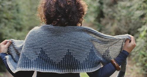Zelda-shawl-by-truly-myrtle_26987994686_o_medium