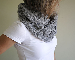 1_cowl_diamonds_small2