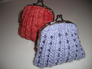 Ravelry Ribbed And Beaded Coin Purse Pattern By Agrarian