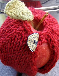 Apple_closeup_small2