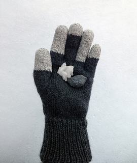 Basalt_glove_with_salt_small2