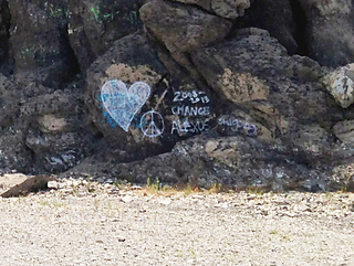 Heart_grafitti_lighter_small2