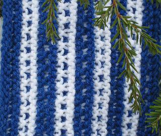 Dash_scarf_detail_2_small2