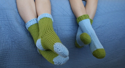 Bed Socks Knitting Pattern 2 Needles : Ravelry: Bulky Sleep Socks pattern by Staci Perry