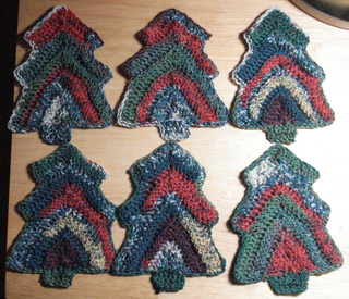 Crochet_christmas_trees_small2