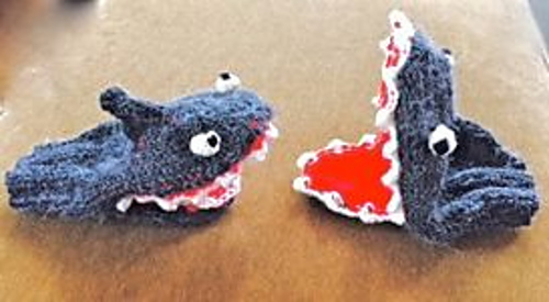 Ravelry: Shark Mittens pattern by Tamera Warmkessel