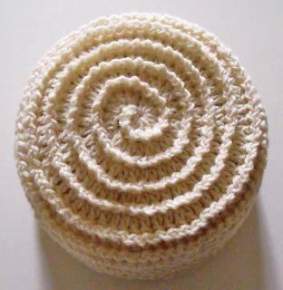 Barbara_summers_crochet_beehive_beanie_small2