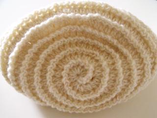 Barbara_summers_crochet_beehive_beanie2_small2