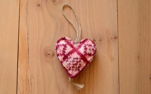 Sanquhar_heart_1_medium