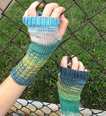 Greenvarieg-mitts-sm_small