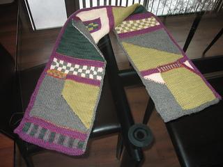 Green_geometric_scarf_small2
