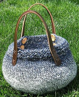 Knittingbowlonthego_small2