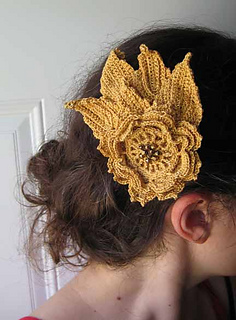 Gilded_flower_hair_clip_small2