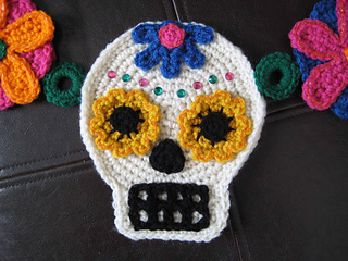Sugarskullgarlandyellowcloseup_small2