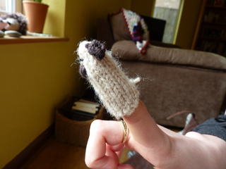 Pug_finger_puppet__1__small2