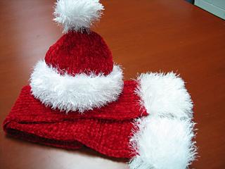 Ravelry Santa Claus Hat Knit Pattern By Lion Brand Yarn