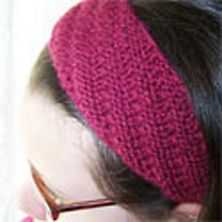 Ravelry: Spiral-Ribbed Headband pattern by Allison Hogue