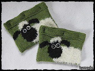 bf73510816d Ravelry  Shaun the Sheep DS Case pattern by Kirstie McLeod