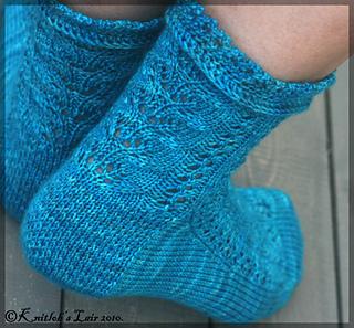 Ravelry Sleeping Beauty Socks Pattern By Tuulia Salmela