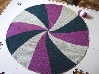 Ravelry: Short Rows Round Pinwheel Baby Blanket pattern by