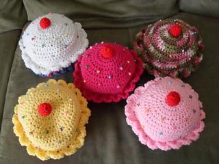 0c1ebf6a77a Ravelry  CupCake Hat pattern by Teresa Richardson