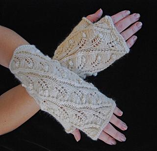 Ravelry: Fern Spiral Fingerless Gloves pattern by Lynne Vogel