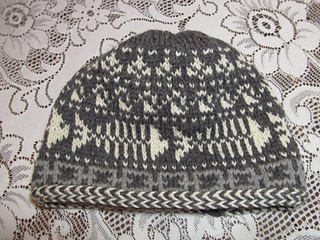 d572f2403c54a Ravelry  Fishbones Skull Cap pattern by Lisa McFetridge