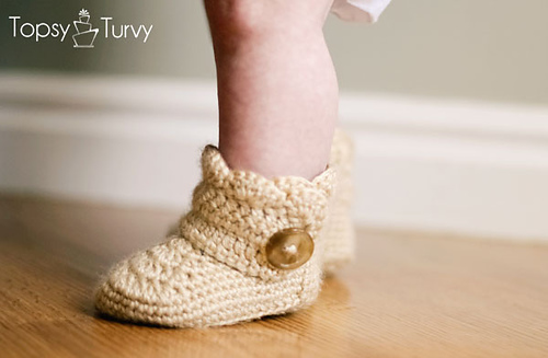 Ravelry Crochet Wrap Around Button Baby Boots Pattern By