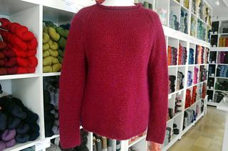 41bf472ac55e Ravelry  Easy Knit Raglan pattern by Debbie Bliss