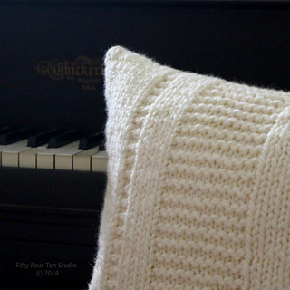 Pillow_square_piano_w_c_small2