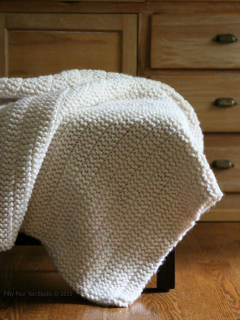 Simple knit purl blanket in bulky yarn.