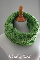 Cozy_cabled_cowl_02_small_best_fit
