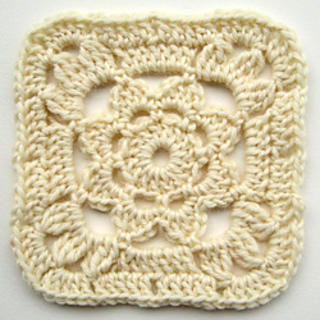 Crochet-granny-square-with-flower-2_small2