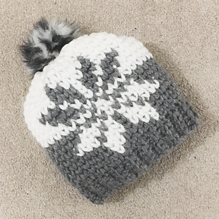 c78a242182e Ravelry  Nordic snowflake hat with pompom pattern by Ana D
