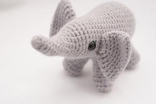 Elephant_02_small2