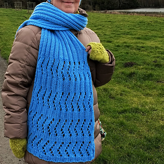 Fractured Rib Scarf
