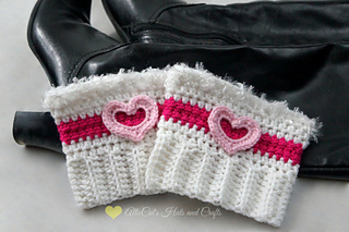 Vaentinecheerbootcuffs2wm_small2